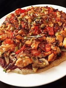 Zobacz zdjęcie Zdrowa i dietetyczna wersja pizzy z kurczakiem na spodzie białkowym:)