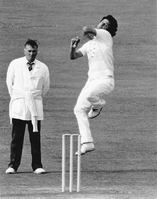 imran khan cricketer bowling - Google Search