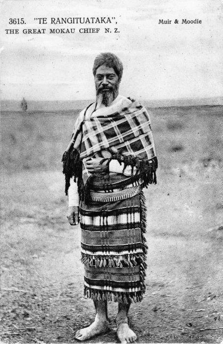 Te Rangituataka, circa 1885, photographed by Muir & Moodie at Mokau