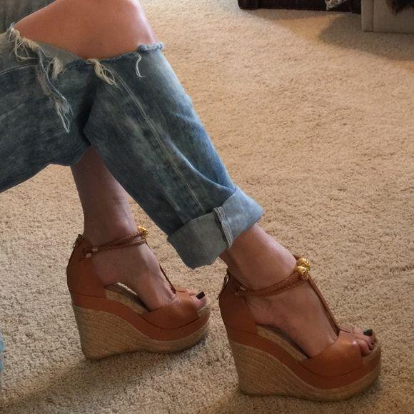 19 Beste My Posh on Picks images on Posh Pinterest   Heels, Platform pumps   240e2d
