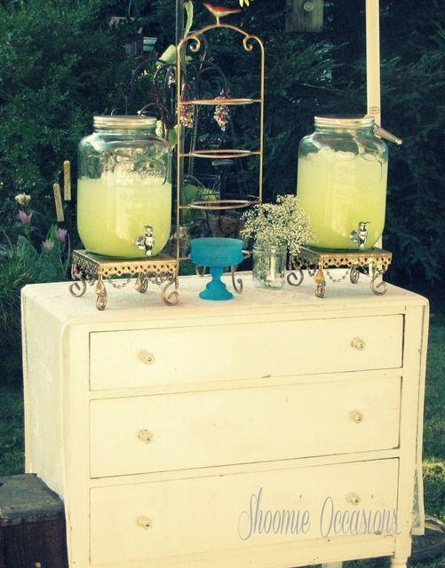 Drinks at a Vintage Baby Shower #vintage #babyshower  #drinks