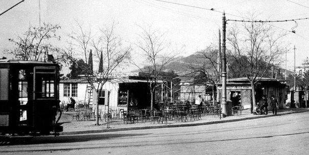 Kifissias av & Alexandras av (1937). We watch the tram and the Lycabettus Hill.