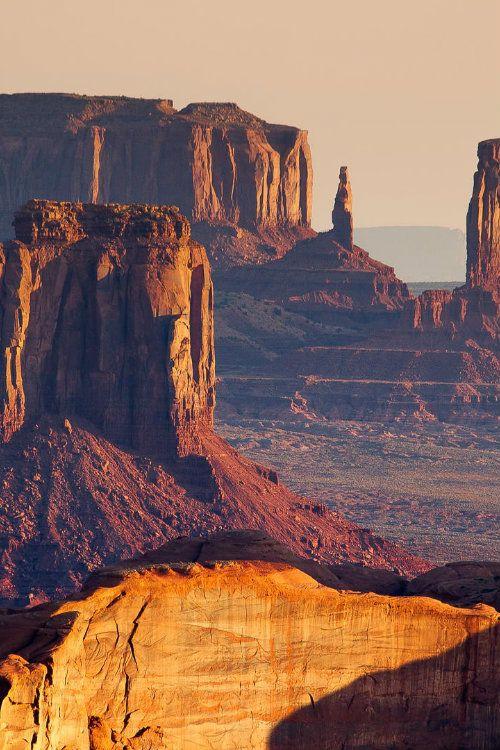 Monument Valley.Sunrise from the Hunt's Mesa, Arizona , Grand Canyon via 500px / Far West by Francesco Riccardo Iacomino)