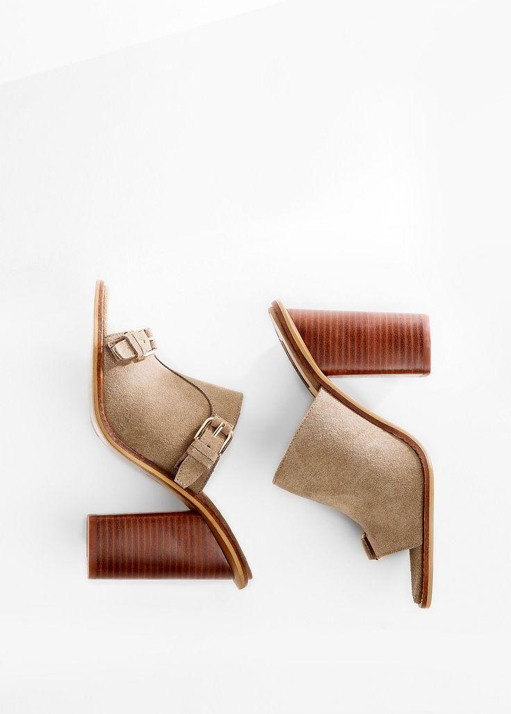 Замшевые мюли на каблуке
