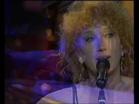 #FiorellaMannoia in La Storia - live at #Musicultura 2006