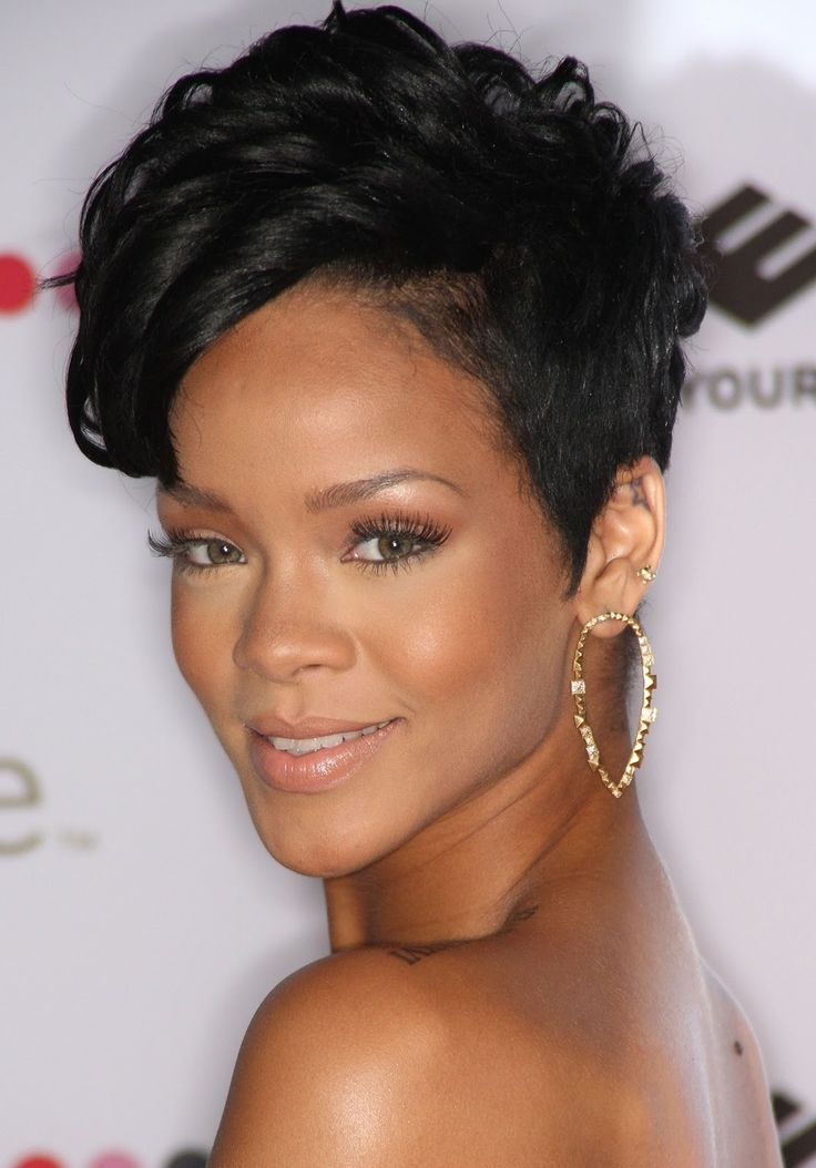 Rihanna with short hair - beauty - hair, skincare & makeup, Rihanna debuted her new pixie haircut at the 2012 vma awards. Description from mattressessale.eu. I searched for this on bing.com/images