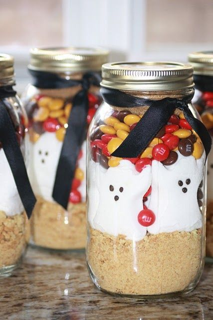 This is cute!! Fall/Halloween Cookie Jars. Have to travel for recipe but it's there:)