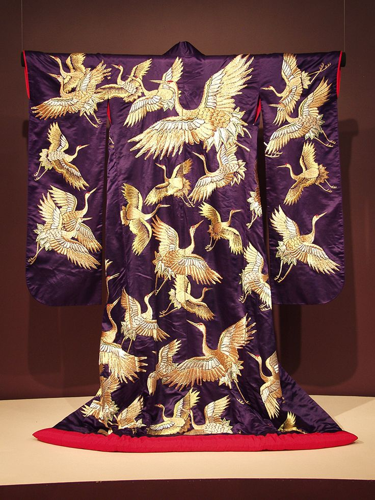 Furisode of purple satin embroidered with gold and silver cranes, Japanese, first half of the 20th century, KSUM 1983.1.826.