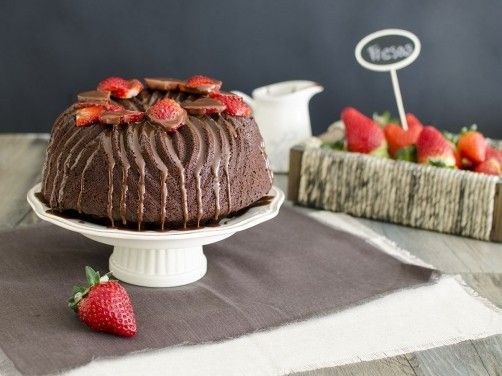 Bundt Cake de chocolate y fresas para #Mycook http://www.mycook.es/receta/bundt-cake-de-chocolate-y-fresas/