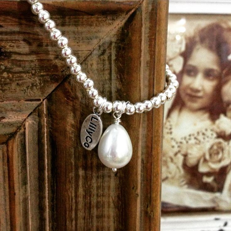 #theminerscouch #jewellery #lillyco #silver #bracelet #fauxpearl #charm #shopping #moonta