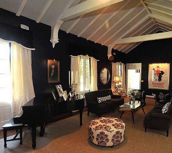 .Taylor Swift, Swift House, Living Rooms, Dark Walls, Dreams House, Formal Living Room, Dreams Room, Taylors Swift, Music Rooms