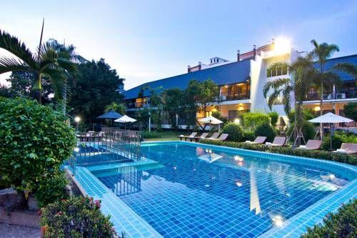 Sunshine Garden Resort - À seulement 5 minutes en voiture du centre de Pattaya, le Sunshine Garden Resort propose un hébergement tranquille entouré de verdure tropicale. Il possède une piscine extérieure, un parking gratuit et un service d'étage. Adresse Sunshine Garden Resort: 240/3 Moo 5, North Pattaya Circle, Pattaya 20150 Pattaya Central
