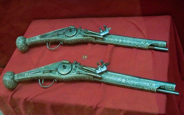 Мечи викингов и «утренняя звезда» с шипами