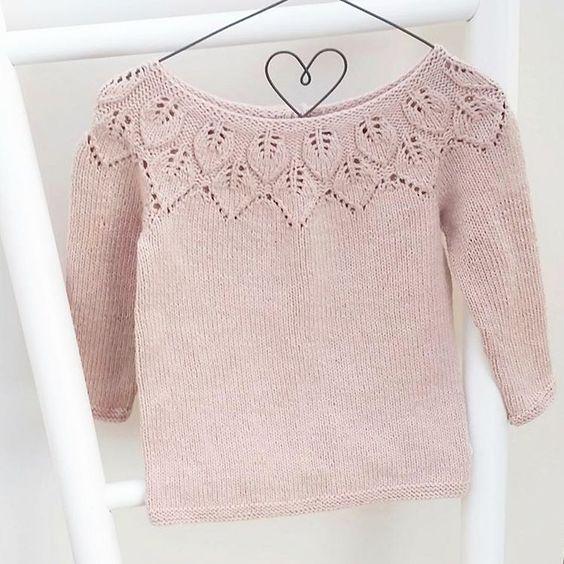 ~ Bellagenser ~ #bellagenser #leneholmesamsøe #babystrikpåpinde3 #barnestrikk #strikk #strikking #strikket #strikke @leneholmesamsoe #sandnesgarn #knittinginspiration #knitting_inspiration #strik #stricken #sticka #yarn #ministil #følgstrikkere #knit #knitting #knitted #knittersofinstagram #knitstagram #instaknit