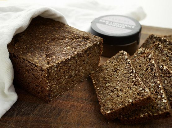 Licorice rye bread (only in Denmark!). Recipe in Danish.