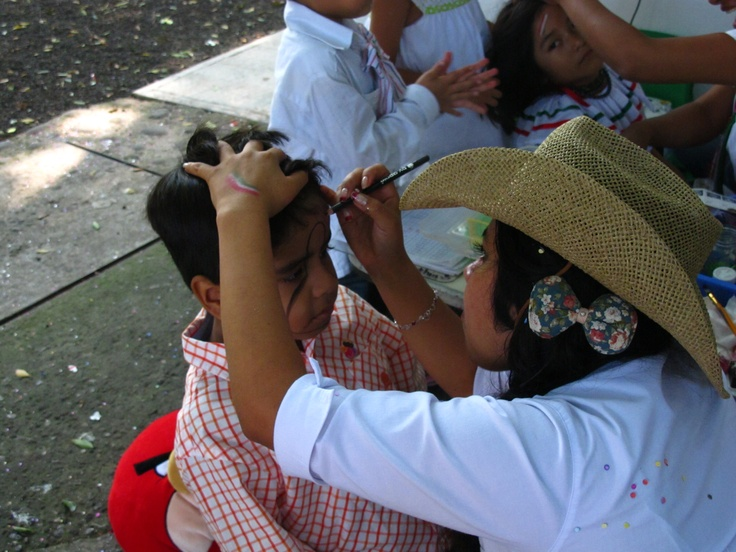 Maquillaje artistíco para los más pequeños  http://www.colegio-bilingue.com