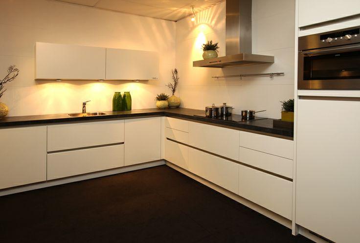 Moderne hoekkeuken keuken en idee n pinterest - Moderne keuken deco keuken ...