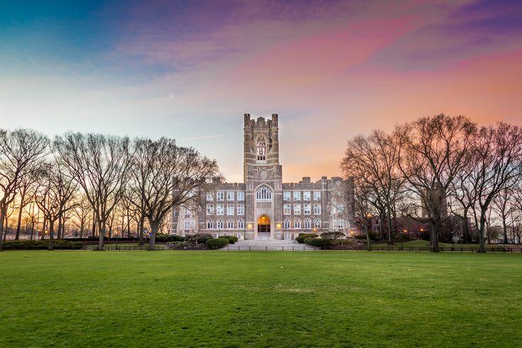 foto de Fordham University Rose Hill Hopeless Wanderer