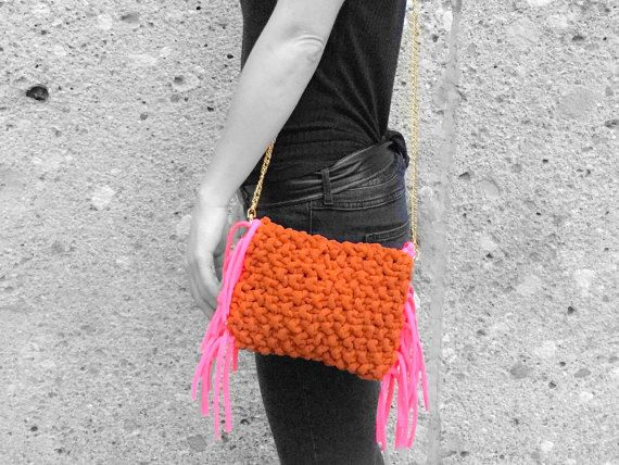Small #OOAK brown #suede shoulder #bag with neon pink fringes. Hippie-chic styled #clutch  #handbag when the golden chain is removed :) #shoulderbag  #hippiechic #hippie #chic #KIY #knitityourself
