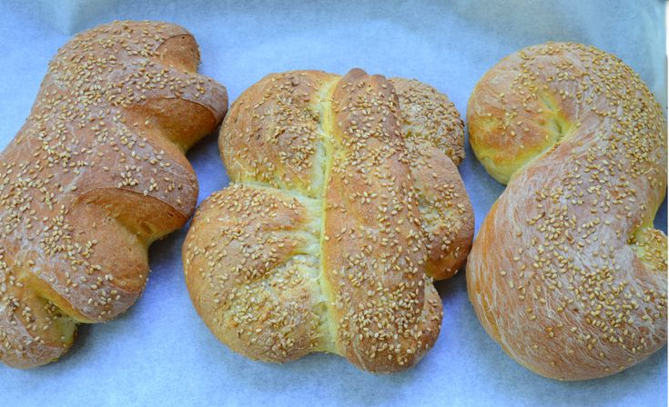 This rustic sesame seed encrusted bread is made with durum flour, giving it a slightly sweet and nutty flavor.