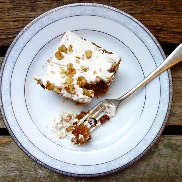 Homemade Carrot Cake with Lemon Cream Cheese Frosting - is there anything better? Find the recipe on my blog! X #vegan #cake #carrot #frosting #vegetarian #sweets #dessert #glutenfree #dairyfree #homemade #baked #loaf #recipe #theaccommodatingchef #healthy #easy