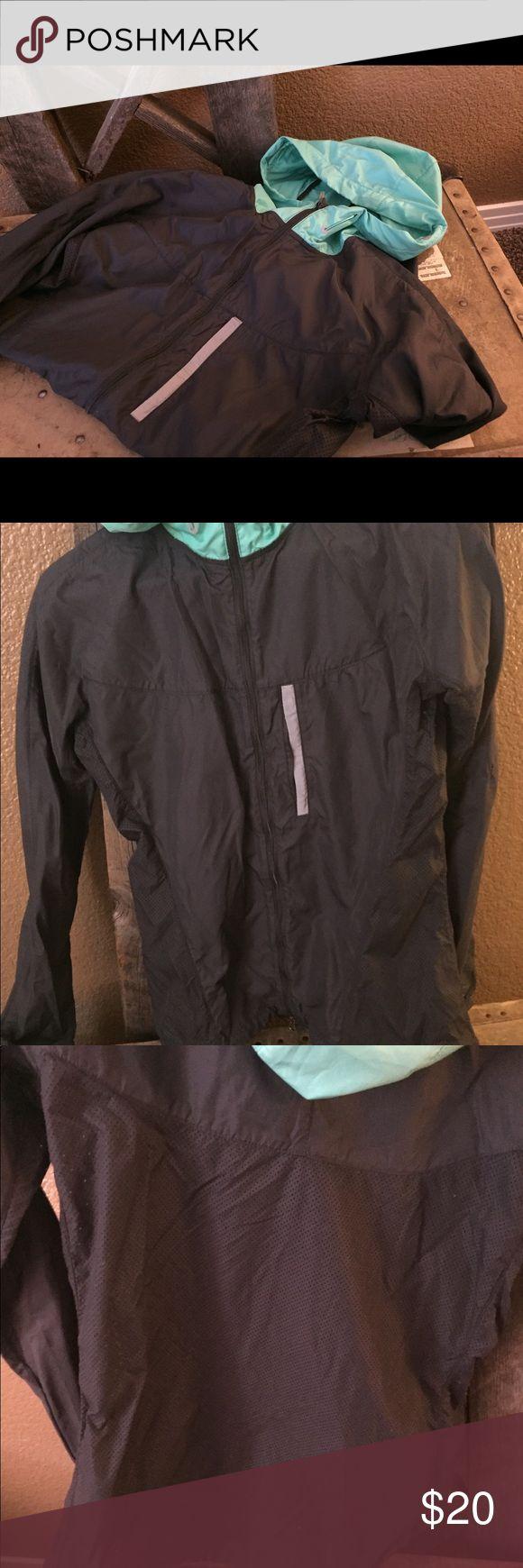 Nike zip up windbreaker rain jacket Nike Rain jacket/ wind breaker with mesh back Nike Jackets & Coats