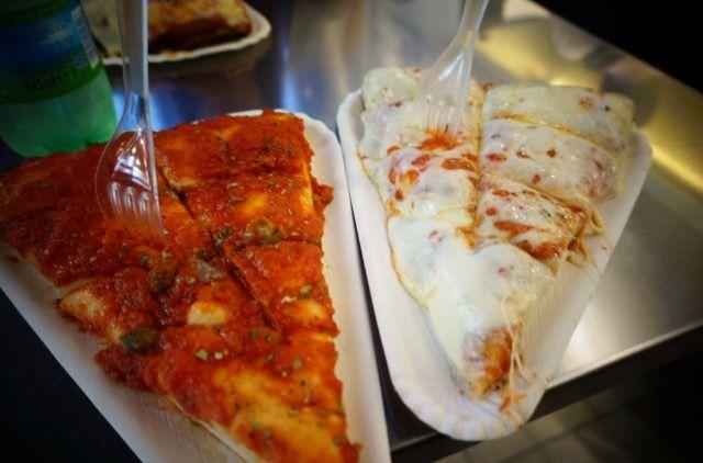 취향대로 고르고 다른 사람들과 함께 테이블에 섞여 서서 먹는 곳. 마르게리따 피자와 페퍼로니 피자가 제일 유명한 곳! 진짜 맛있었다 😭 #Milan #Spontini