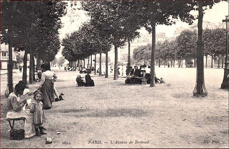 La promenade de l'avenue de Breteuil, vers 1905 (Paris 75007)