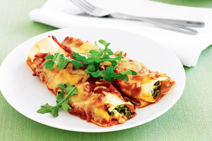 Only six ingredients are needed to make this tasty and wholesome cannelloni bake.