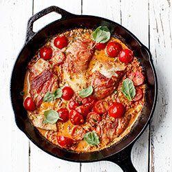 Filety z kurczaka w kremowym sosie z suszonych pomidorów | Kwestia Smaku