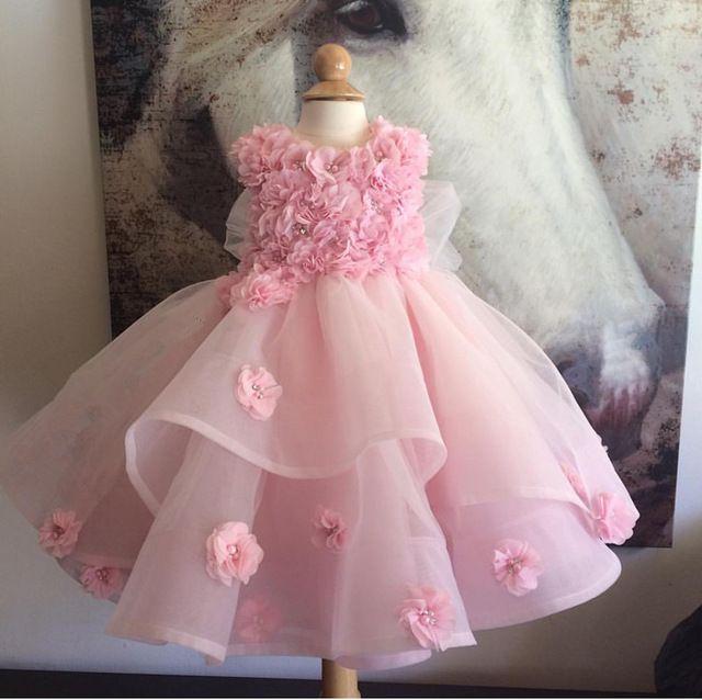 Vestido de niña de encaje rosado