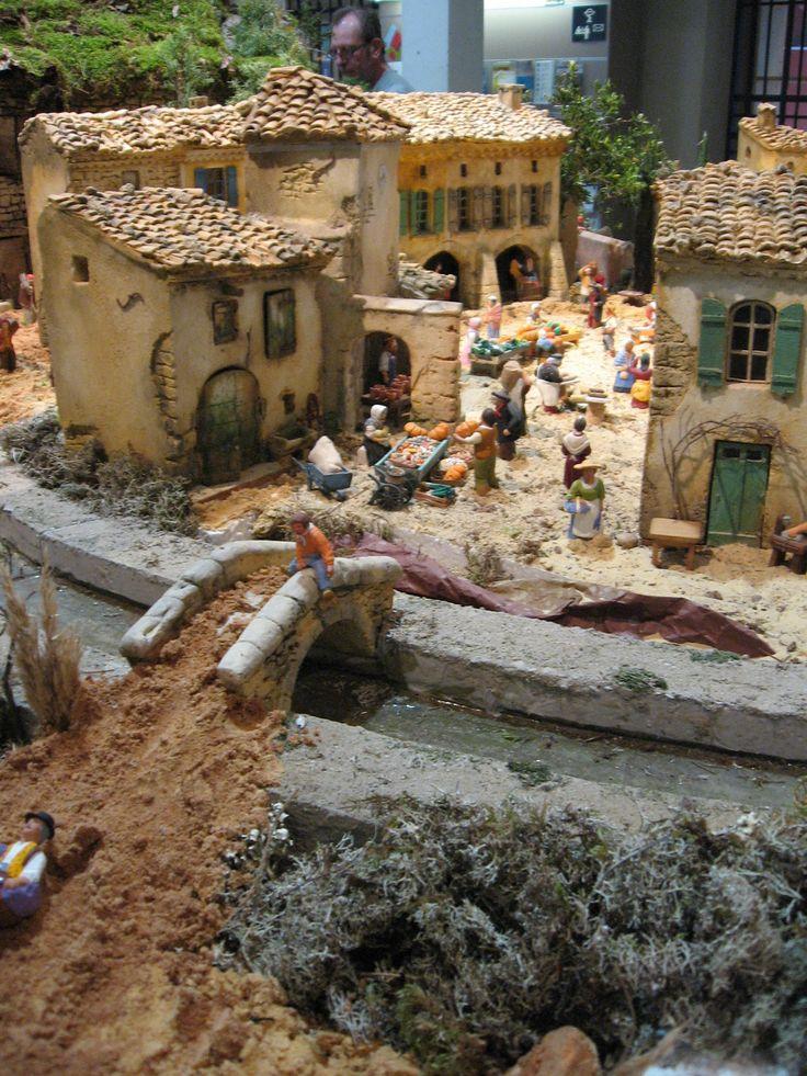 Jolies maisons et scènes de vie quotidienne pour les Santons de Provence - Office de Tourisme de Carpentras- Rétrospective 2012- Bientôt  à découvrir  la crèche 2013 !