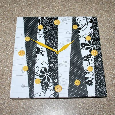 Love the use of buttons on this clock!: Crafts Ideas, Gifts Ideas, Clocks Crafts, Diy Craft, Decoupage Paper, Paper Clocks, Decoupage Clocks, Decoupage Projects, Personalized Clocks