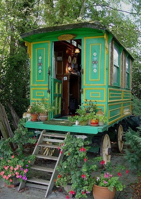 Caravan Gypsy Vardo Wagon:  A Gypsy wagon.