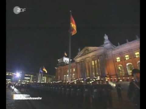 Gebet Nationalhymne Ausmarsch Großer Zapfenstreich - YouTube