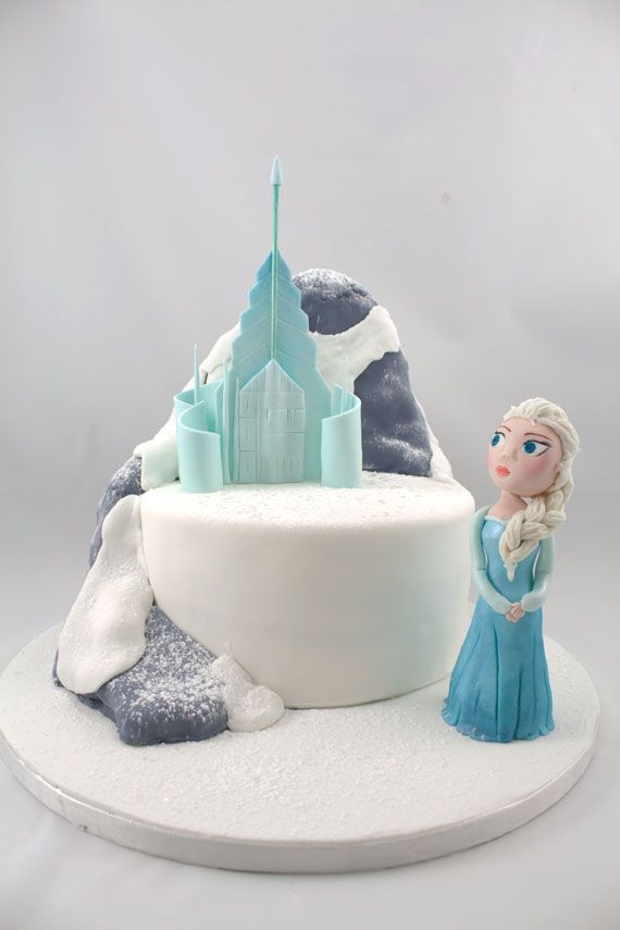 Frozen Elsa And Her Ice Castle Frozen Castle Cake