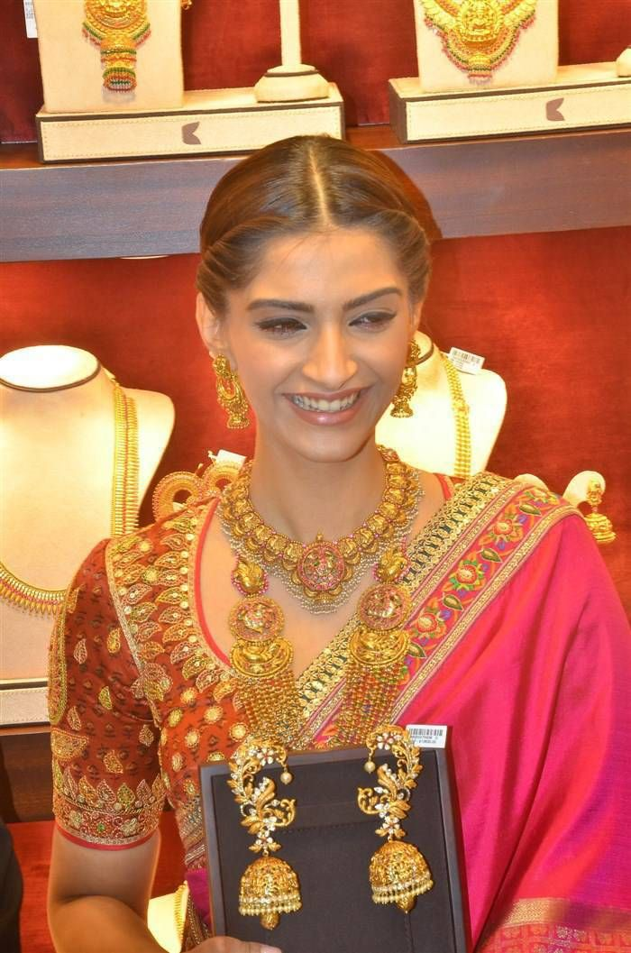 sonam kapoor in antique