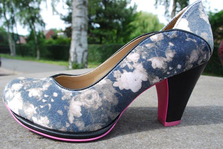 fluwelen schoenen van cristofoli te verkrijgen bij retromantiek