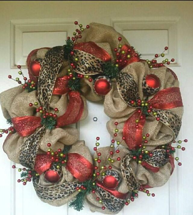 17 best diy christmas wreath images images on pinterest for Burlap wreath with lights