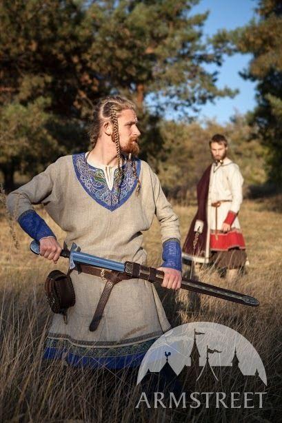 Tunique viking brodée en lin «Éric le Jarl»