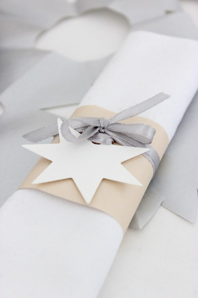 http://www.cadecga.com/category/Napkin-Holder/ Christmas style napkin holder