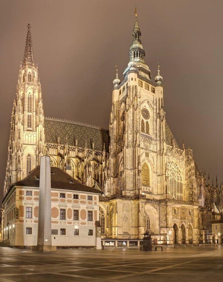 St.Vitus cathedral at night, Prague