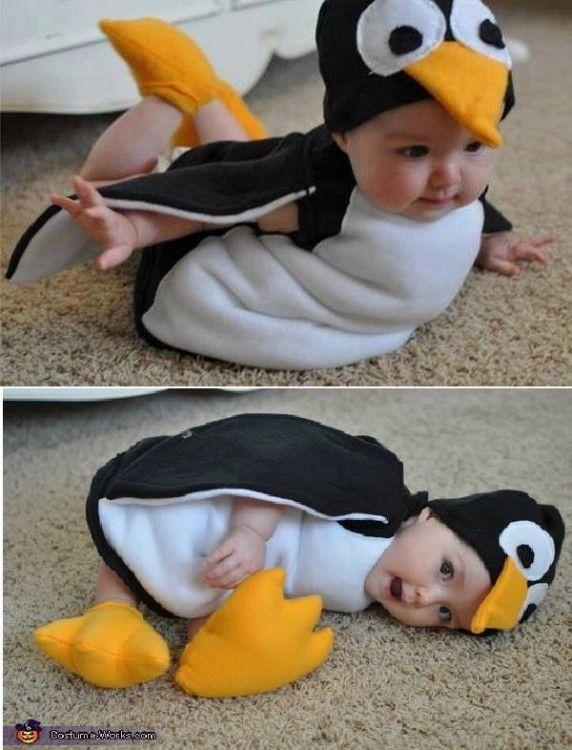 bebé disfrazado de pinguino