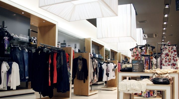 """USC STORE DESIGN BY """"FOUR BY TWO"""""""