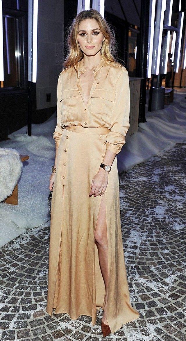 Olivia Palermo em vestido 'militar' . Visite o SimplesModa, um blog e revista de moda em Português.