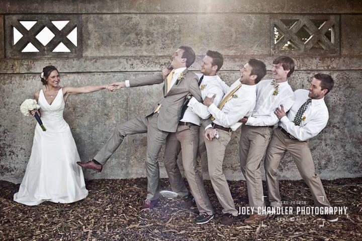 cute wedding pic idea