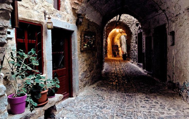 Το μεσαιωνικό χωριο της μεστής σκέψης