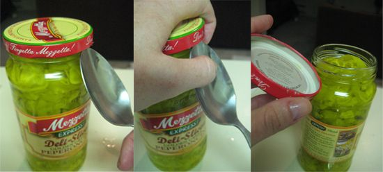 Use a spoon to open a sealed-tight jar.Ideas, Stuff, Spoons, Tights Lids, Everyday Object, Life Hacks, Sealed Tights Jars, Life Change, Open Jars