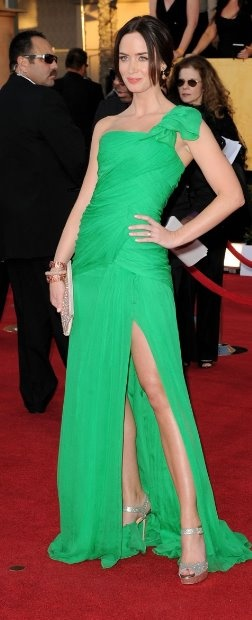 Emily Blunt in Oscar de la Renta at the SAG awards.