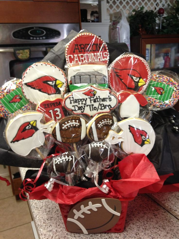 17 Best Images About Cardinals Cakes On Pinterest